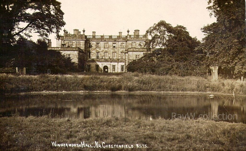 wingerworth hall and lake